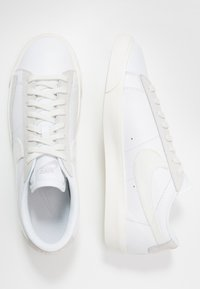Nike Sportswear - BLAZER - Sneakers laag - white/sail/platinum tint - 1