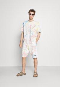 Von Dutch - CHANDLER - Shorts - multi-coloured - 1
