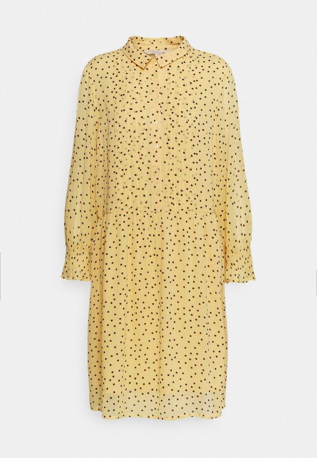HELFRED - Shirt dress - sahara sun