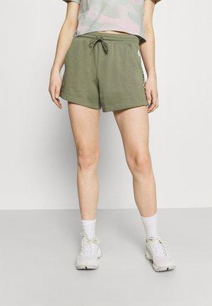 LOGO™ II SHORT - Sports shorts - stone green