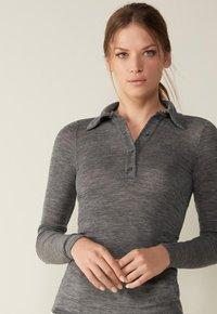 Intimissimi - Polo shirt - puzzle grigio - 0