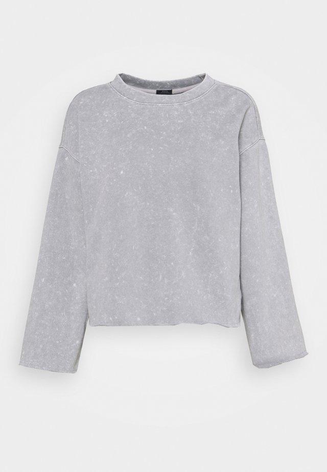 FLARE CROP - Felpa - crystal gray