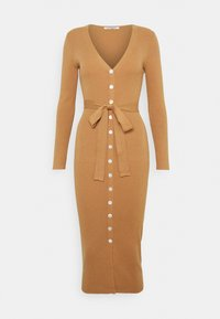 Glamorous - SKINNY FIT LONG SLEEVE MIDI DRESS WITH V NECK - Strikket kjole - camel - 4