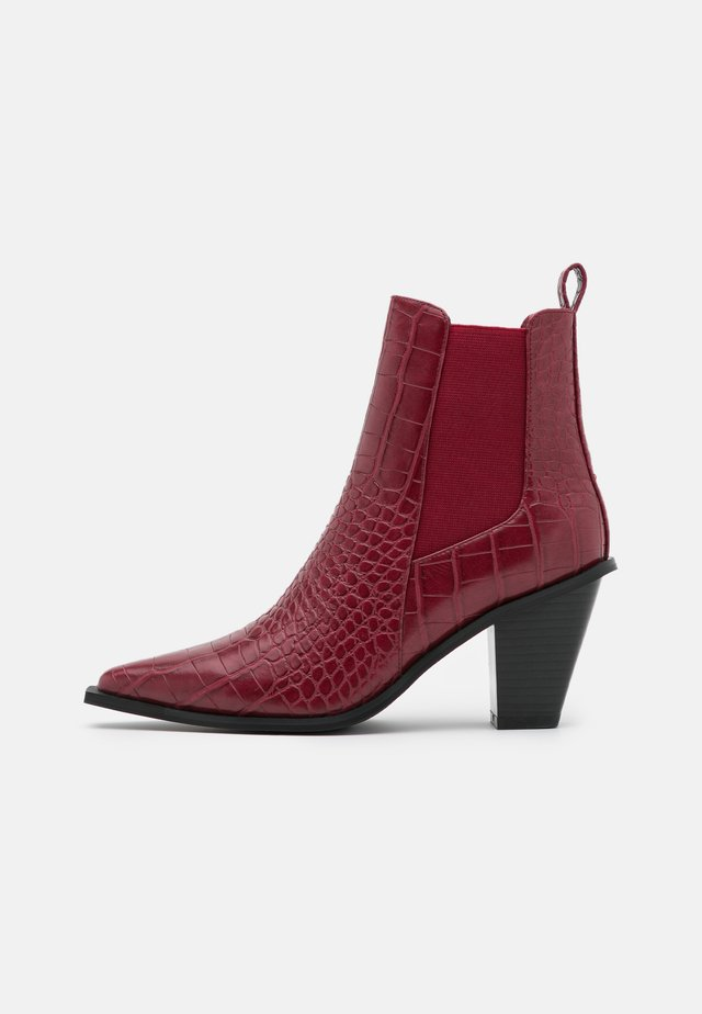 POINTY BLOCK HEEL BOOTS - Classic ankle boots - wine red