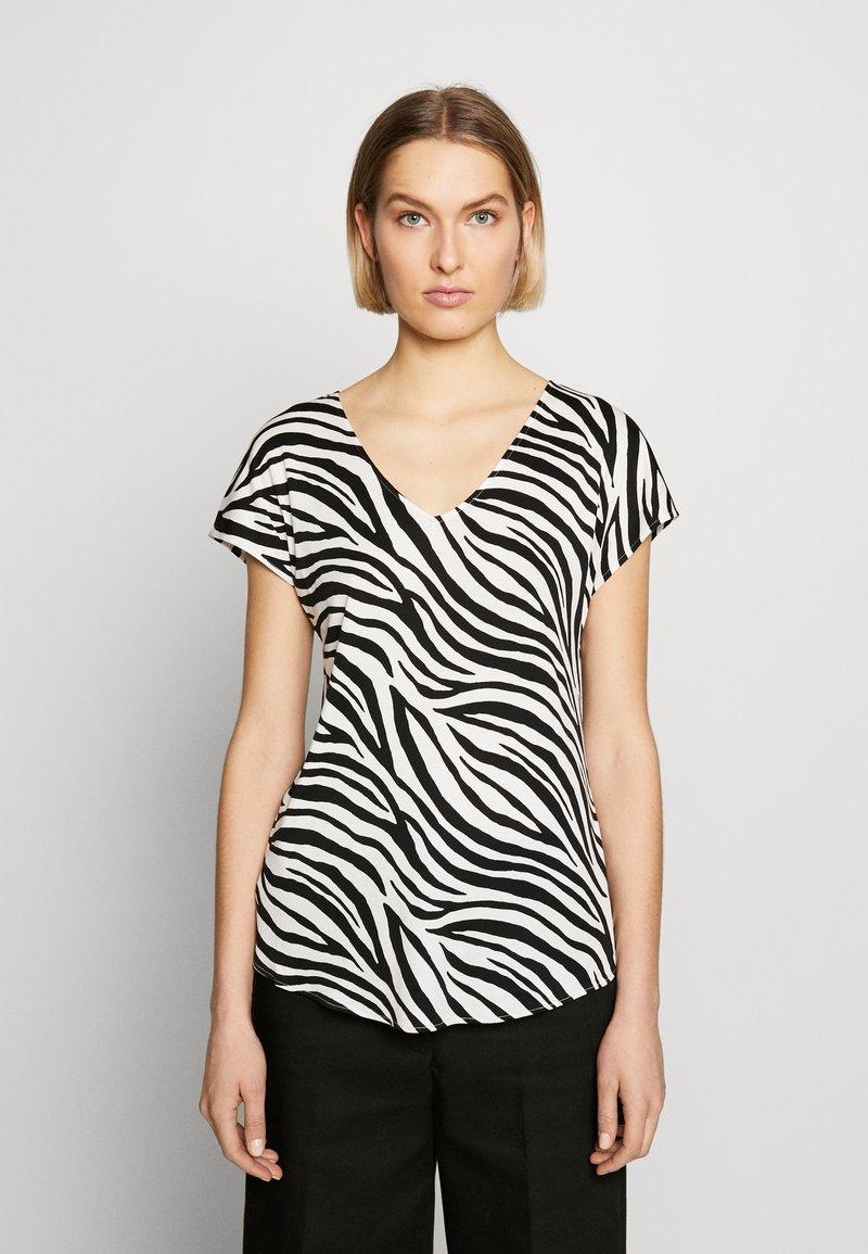 Marc Cain - Print T-shirt - white/black