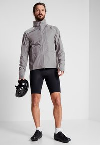 Vaude - ME ACTIVE PANTS - Shorts - black uni - 1