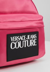 Versace Jeans Couture - TAB MINI BACKPACK - Batoh - fuxia - 7