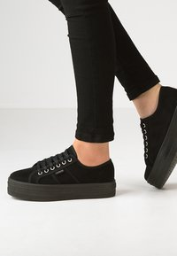 Victoria Shoes - Trainers - black - 0