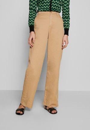 BELMA - Trousers - tannin