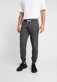 Pier One - Spodnie treningowe - mottled dark grey - 0