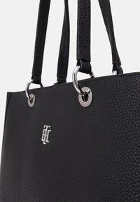 Tommy Hilfiger - ESSENCE TOTE - Handbag - black - 5