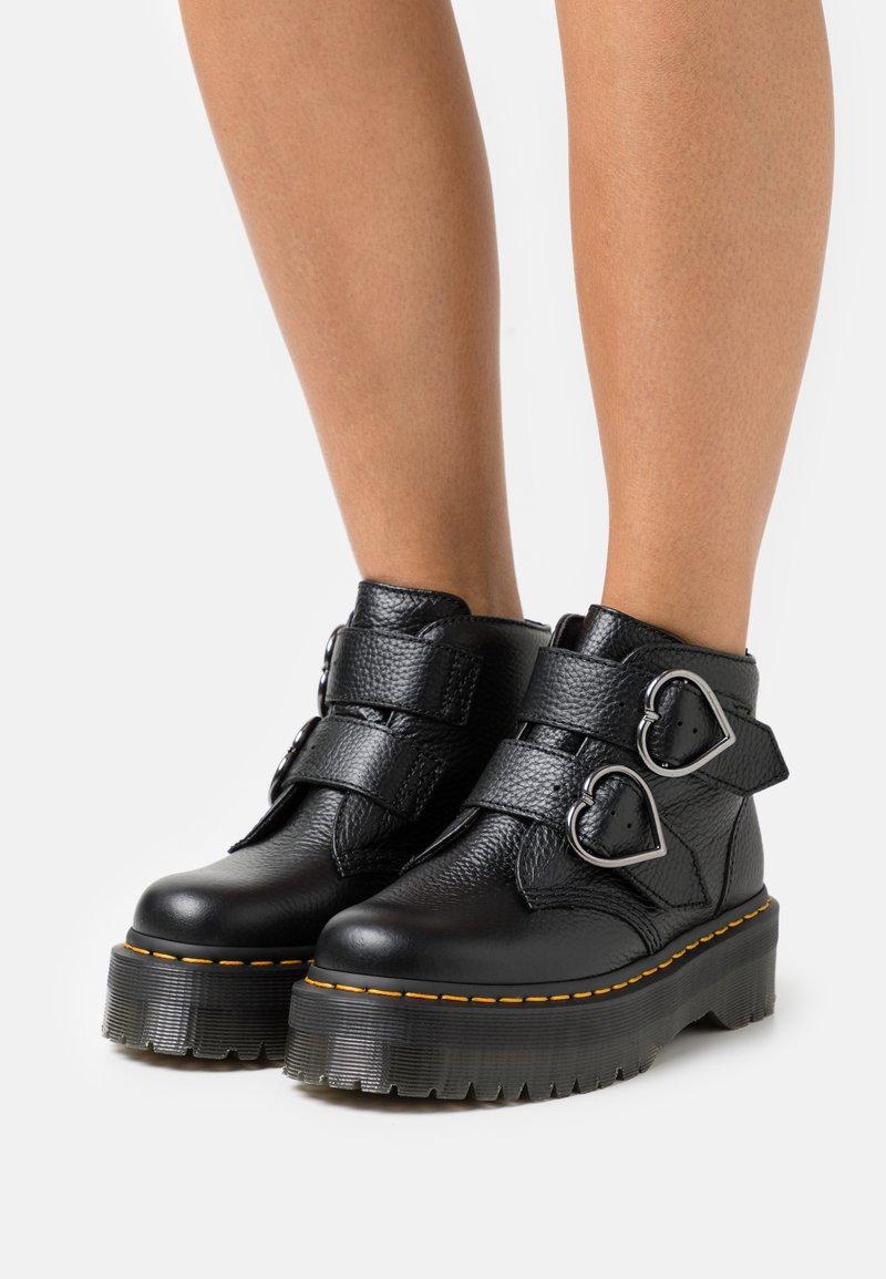 Dr. Martens - DEVON HEART - Platform ankle boots - black aunt sally