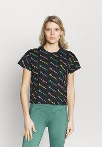 Champion - CREWNECK  - Camiseta estampada - multi-coloured - 0