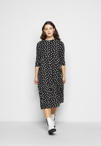 Simply Be - TIERED DRESS - Jersey dress - black - 1