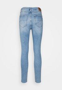 Tommy Jeans - SYLVIA - Jeans Skinny Fit - denim light - 6