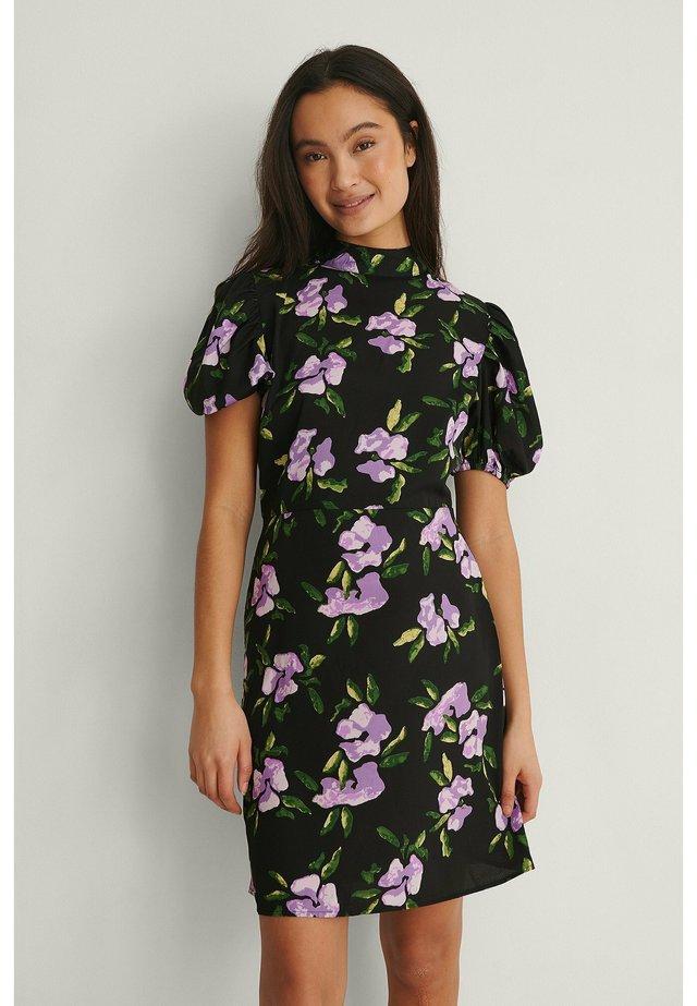 Korte jurk - purple flower