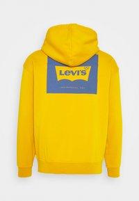 Levi's® - GRAPHIC HOODIE UNISEX - Huppari - golden yellow - 1