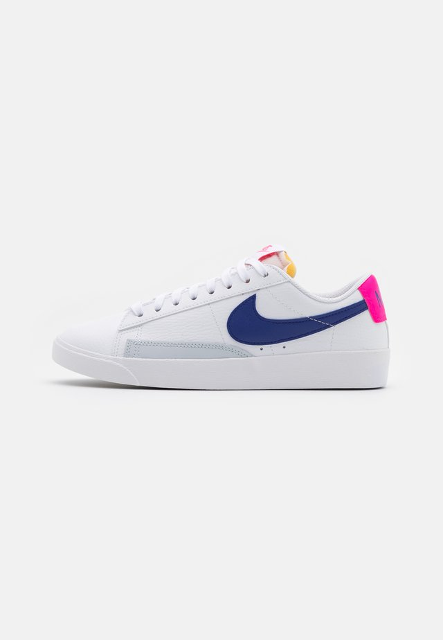 BLAZER - Baskets basses - white/concord/hyper pink/pure platinum/black