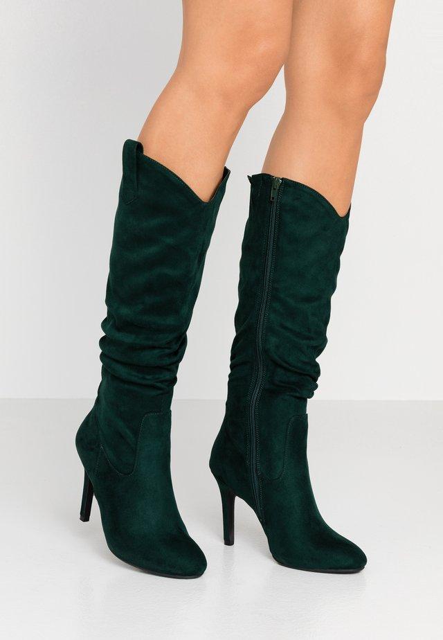 High heeled boots - green