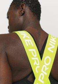 Nike Performance - DRY ELASTIKA TANK - Camiseta de deporte - olive flak/volt - 5