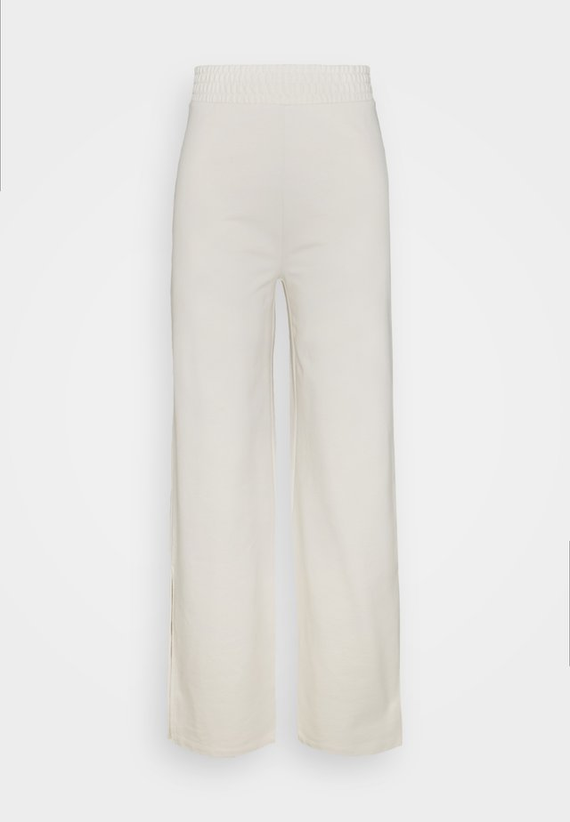 ONLDREAMER FLAIR SLIT PANTS - Broek - birch