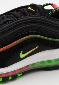 Nike Sportswear - AIR MAX 97 UNISEX - Zapatillas - black/green strike/flash crimson/white/off noir/blue fury - 5