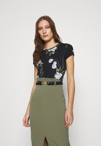 Ted Baker - OLIEE - Print T-shirt - black - 0