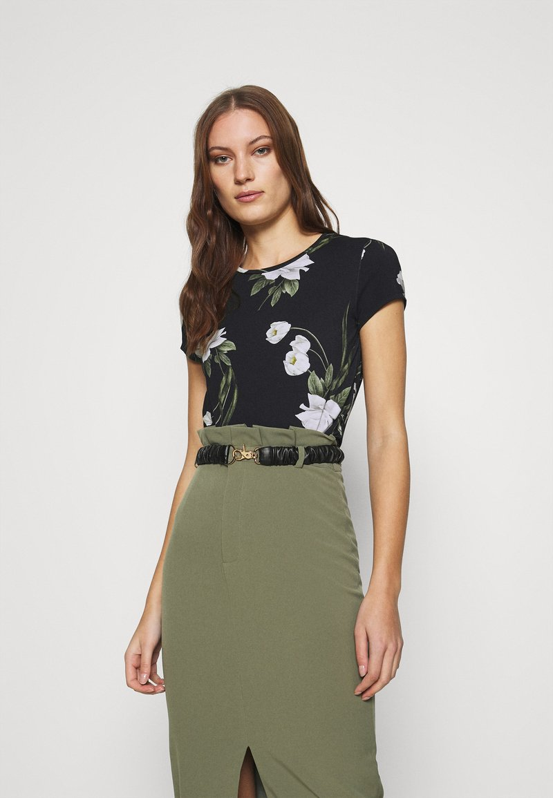 Ted Baker - OLIEE - Print T-shirt - black