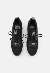XTI - Sneakers laag - black - 5
