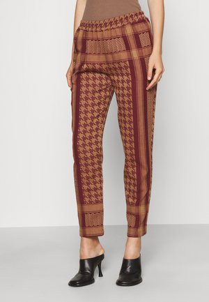 EVELYN PANTS - Trousers - cordovan