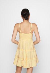 Hollister Co. - BARE FEMME SHORT DRESS - Kjole - yellow - 2