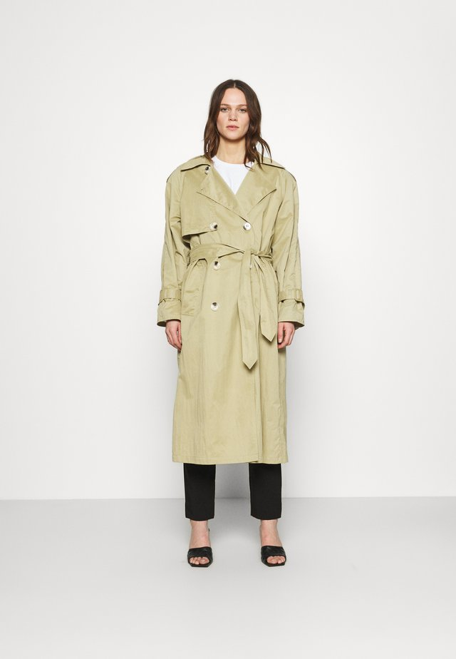 TOTEM - Trench - vintage green