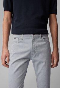 BOSS - MAINE3-10-20 - Straight leg jeans - open blue - 3