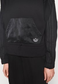 adidas Originals - BOXY HOODIE - Sweatshirts - black - 4