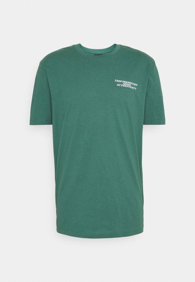 UNISEX OVERSIZED  - Print T-shirt - mallard green