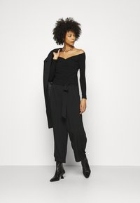 Guess - SONAY - Long sleeved top - jet black - 1