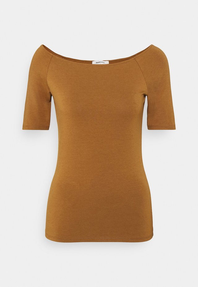 TANSY  - Basic T-shirt - brown oak
