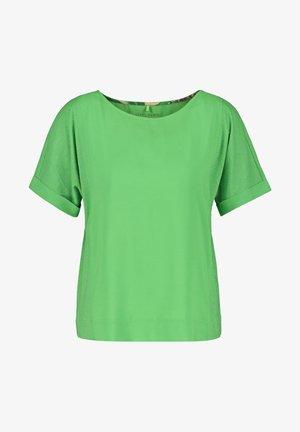 Basic T-shirt - botanical