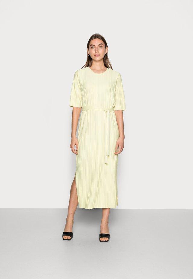 SLFTERLE 2/4 MIDI DRESS - Korte jurk - yellow