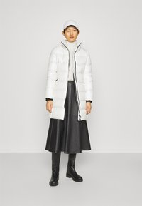 Calvin Klein - ESSENTIAL REAL COAT - Down coat - snow white - 1