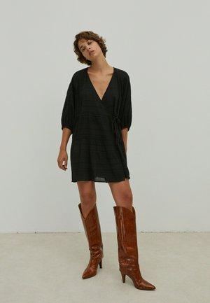 MAROU - Jumper dress - schwarz