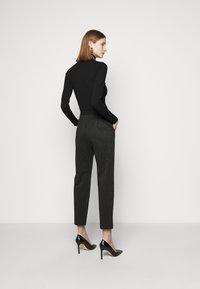 MAX&Co. - PRIMATO - Stoffhose - black pattern - 2