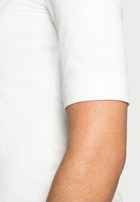 Opus - SANIKA  - T-shirt basic - milk - 4