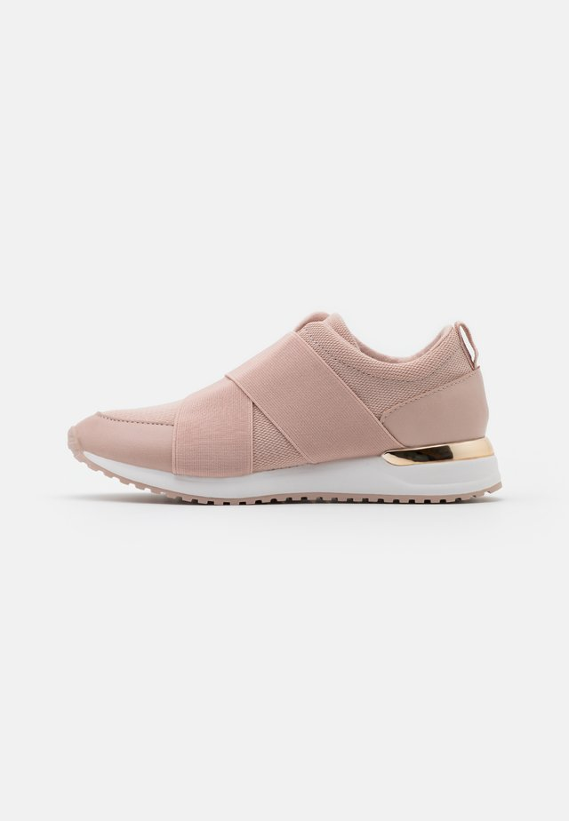 SEVYLIA - Sneakers laag - light pink