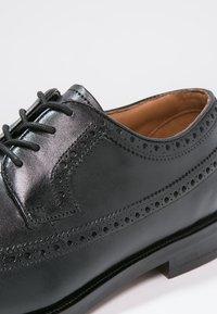 Clarks - COLING LIMIT - Smart lace-ups - zwart - 5