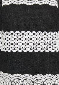kate spade new york - FLORAL DOT SHIFT DRESS - Denní šaty - black - 2