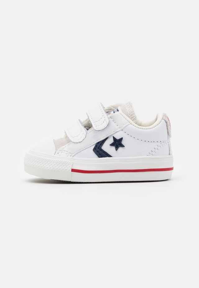 STAR PLAYER UNISEX - Sneakers basse - white/midnight navy/gym red