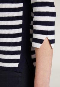Oui - Jumper - dark blue white - 4