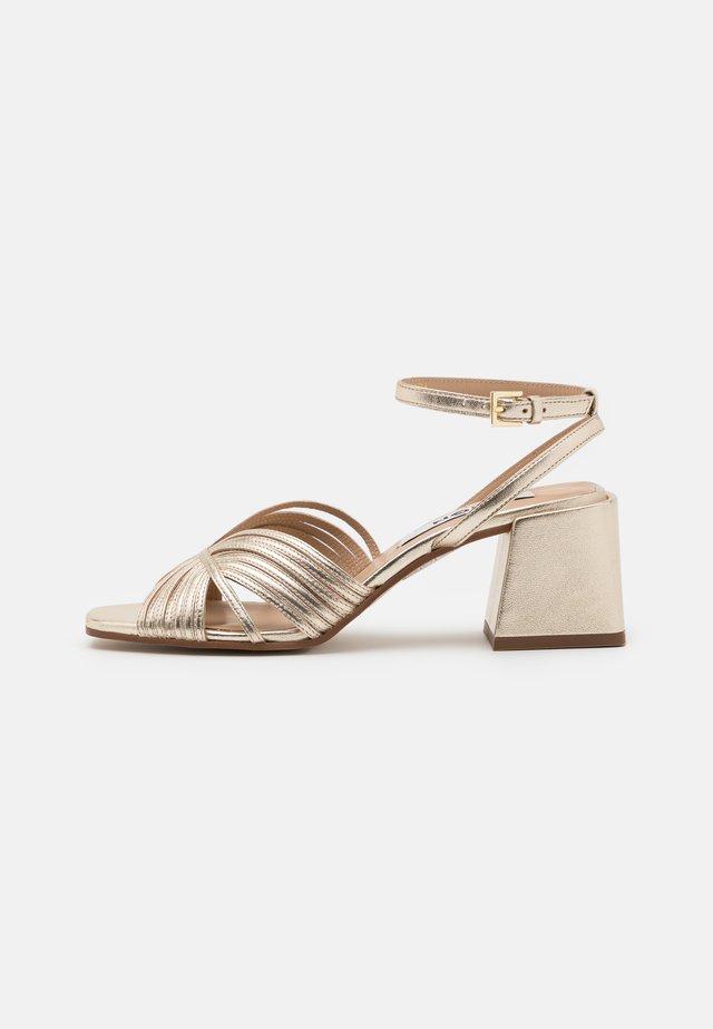Sandały - gold
