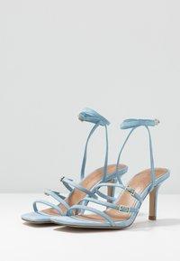 Who What Wear - EVERLY - Sandály na vysokém podpatku - sky blue - 4